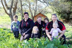 Read more about the article Paeroa preschoolers get back to nature