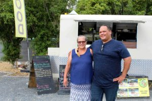 Read more about the article Celeb chef Simon Gault names Miranda food truck makers of 'best blue cod'