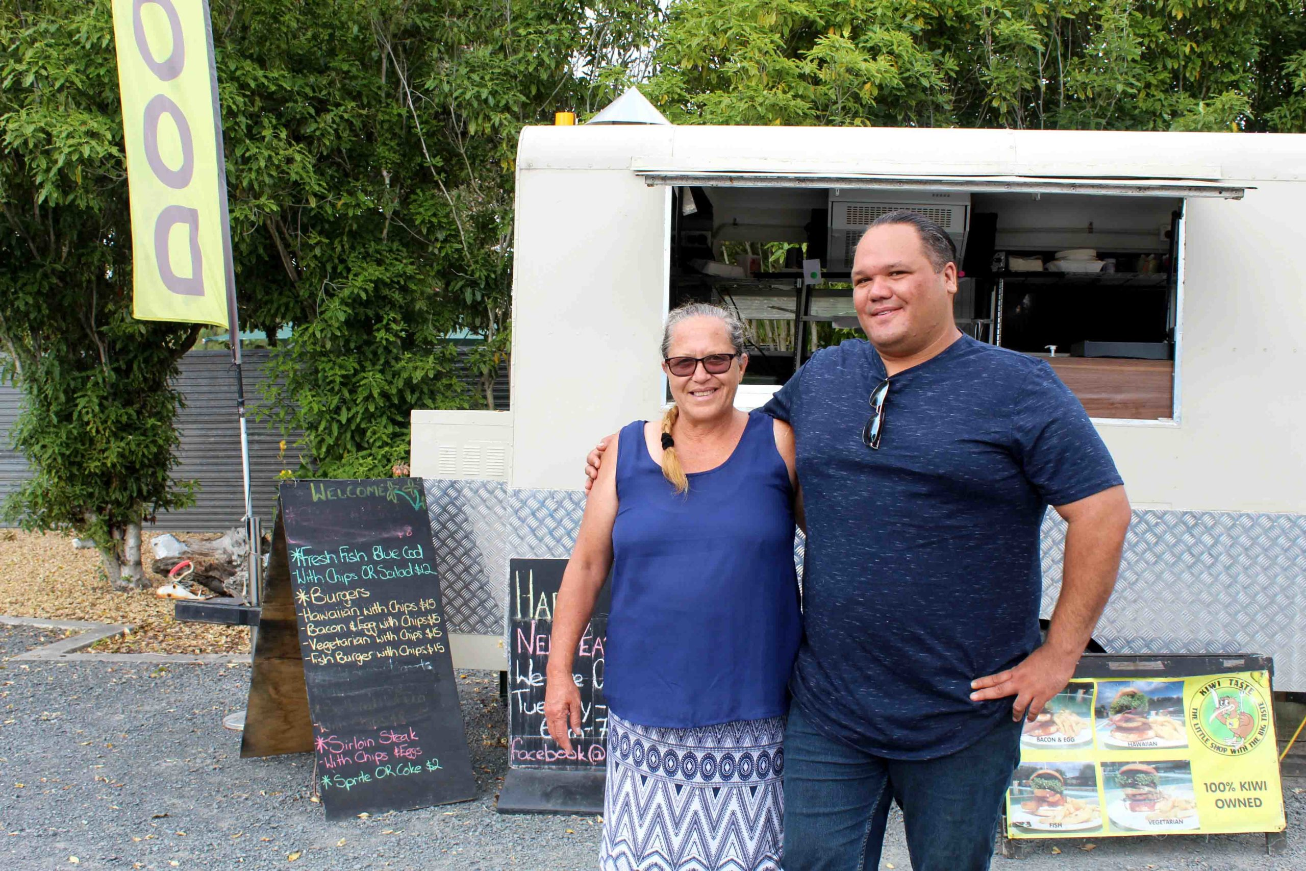 Celeb chef Simon Gault names Miranda food truck makers of 'best blue cod'