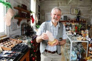 Read more about the article Service award for mineral museum manager