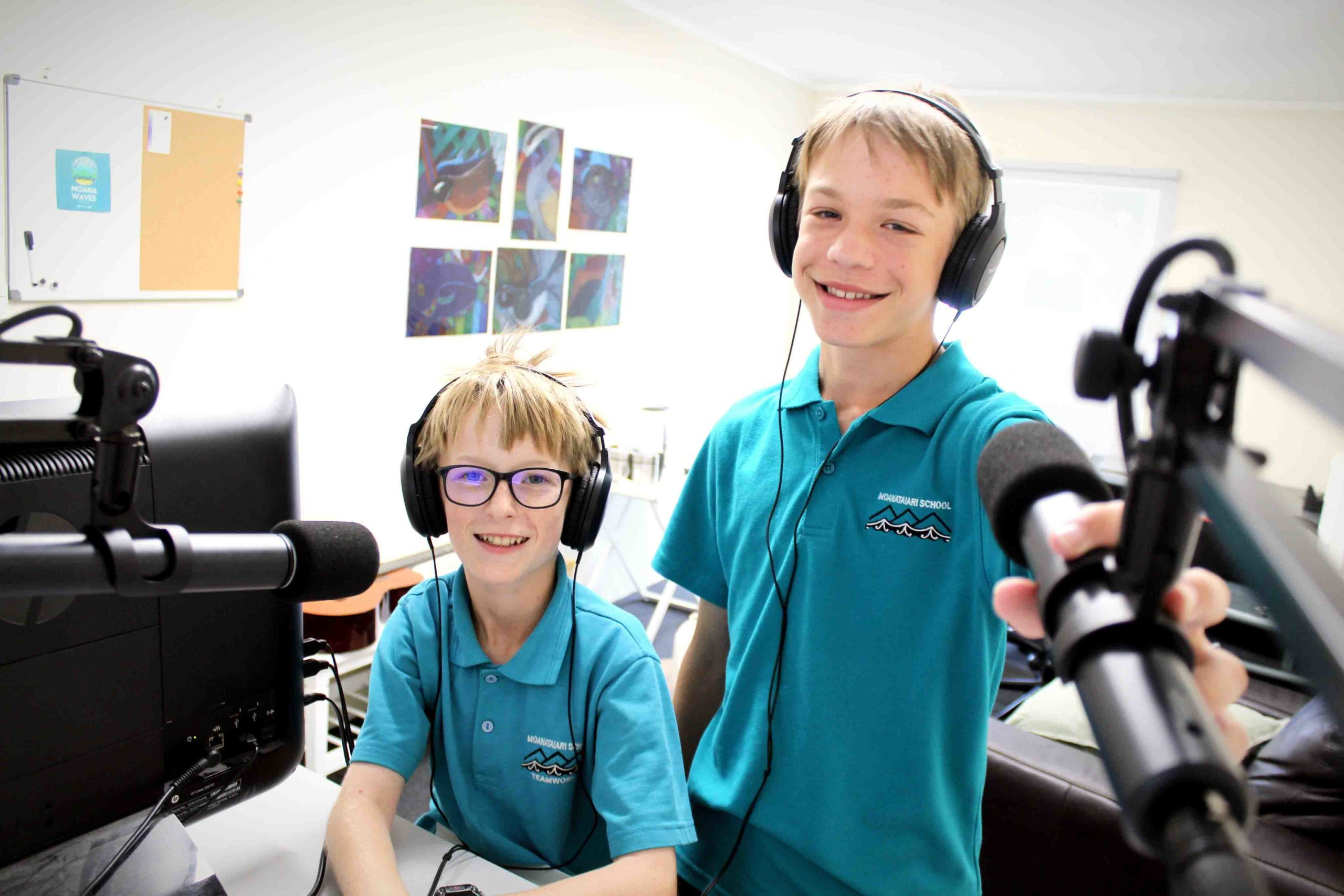 You are currently viewing Students make waves with radio station
