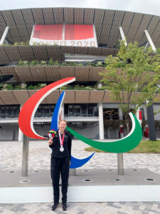 Read more about the article Paralympic heroine heads home