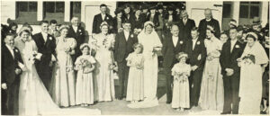 Read more about the article Paeroa sisters marry in triple wedding